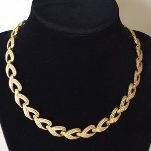 Vintage Napier gold color necklace
